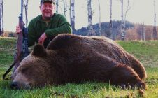 British Columbia Grizzly Hunts - Nanikalakeoutfitters.com