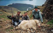 Nanika Lake British Columbia Mountain Goat - Nanikalakeoutfitters.com