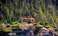 Nanika Lake Lodge - Nanikalakeoutfitters.com