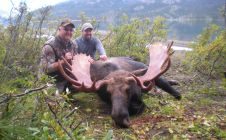 BC Monster moose hunts - Nanikalakeoutfitters.com