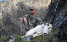 BC Guided Mountain Goat Hunts - Nanikalakeoutfitters.com